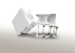 Stabilisatoren von Chemson ebnen den Weg für innovative Wandschalungs-Elemente aus PVC. Die Systeme sind wasserfest und garantieren dadurch eine ausgezeichnete Luftqualität, Schimmelbildung wird vermieden. Die Paneele sind langlebig und dauerhaft stabil. | Foto: Chemson