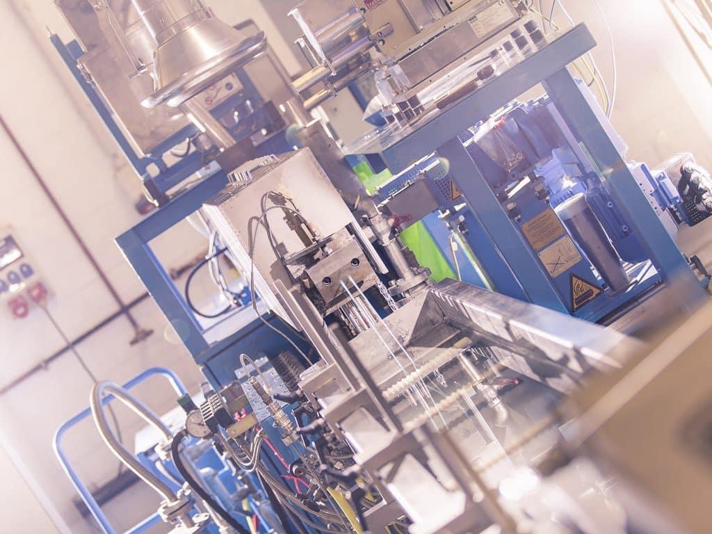 Bio2Bottle: Im Doppelschneckenextruder können z. B. Compounds aus biobaiserte Komponenten hergestellt werden | Foto: Fraunhofer UMSICHT/Christoph Bohnenkamp