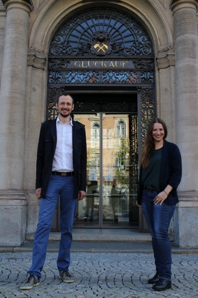 Univ.-Prof. Dr. Thomas Grießer (li.) und Romana Schwarz, MSc (Kunststofftechnik Montanuniversität Leoben)   Foto: MU Leoben