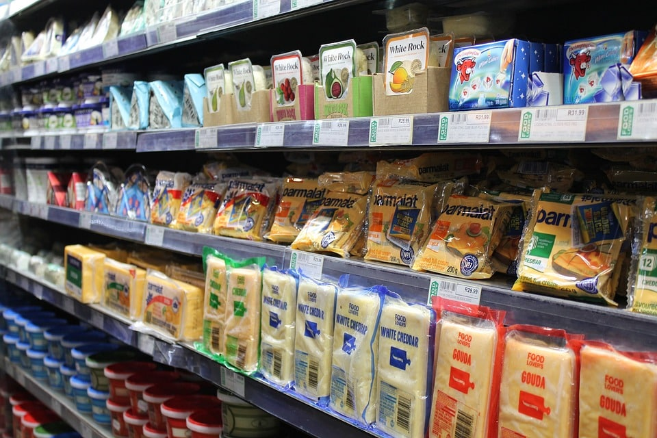 PVDC wird weltweit in mehrschichtigen Barriereverpackungen für Lebensmittel eingesetzt. | Foto: AlbanyColley, pixabay